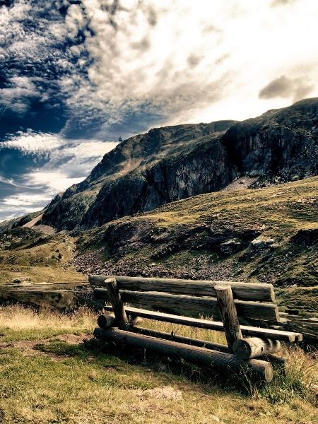Landscapes bench